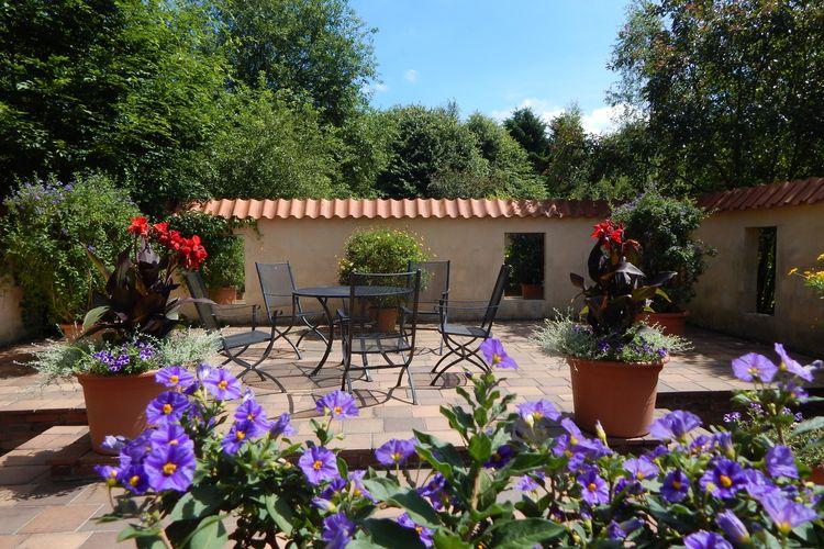 Mediterraner Garten im Blumenreich